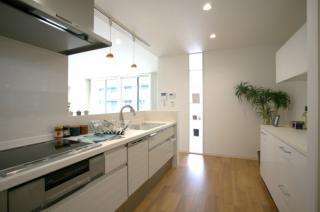 キッチンは広々!ご家族で一緒に料理も楽しめます♪